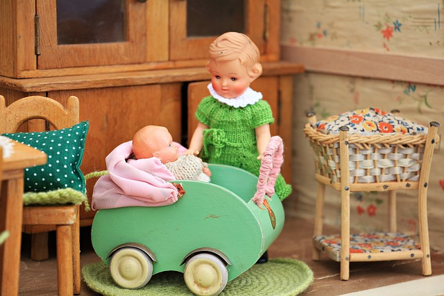 dolls-houses