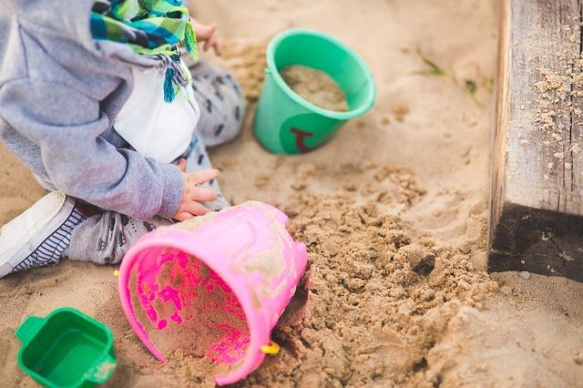 sandpit-child